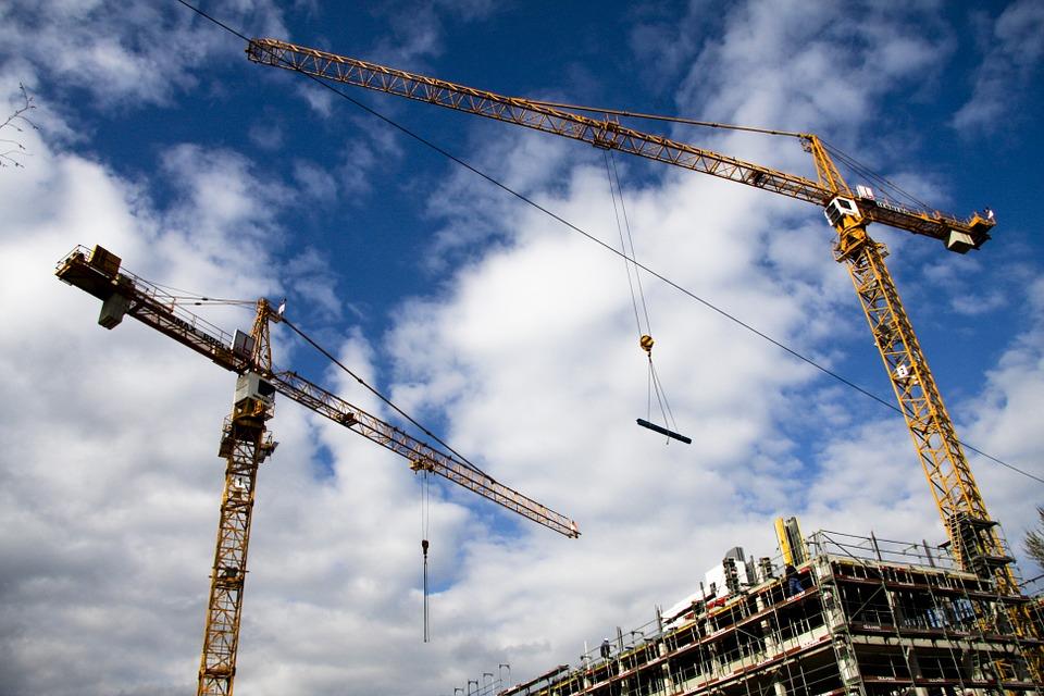 budowa nowego bloku - nieruchomości we Wrocławiu